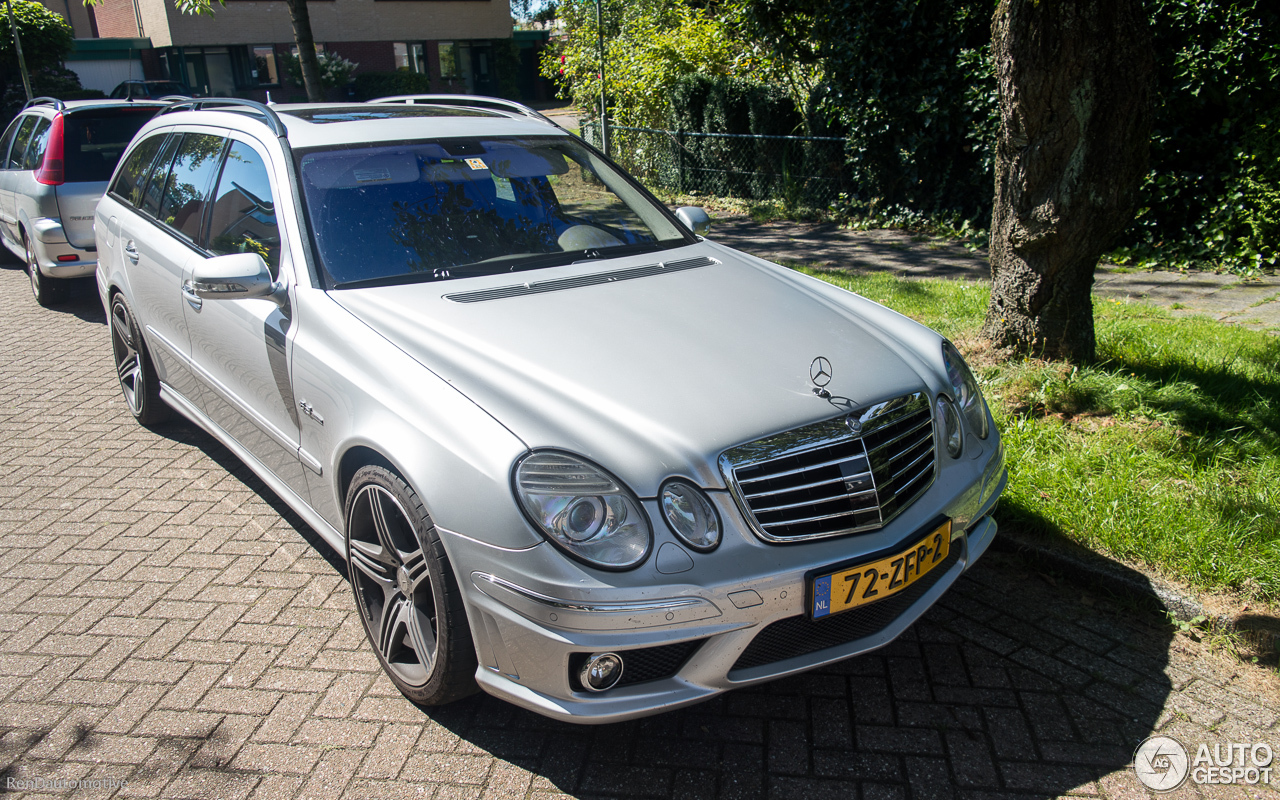 mercedes benz e 63 amg combi 4 october 2016 autogespot. Black Bedroom Furniture Sets. Home Design Ideas