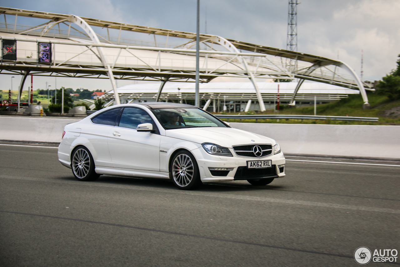 Mercedes benz c 63 amg coup 5 oktober 2016 autogespot for Mercedes benz complaint department