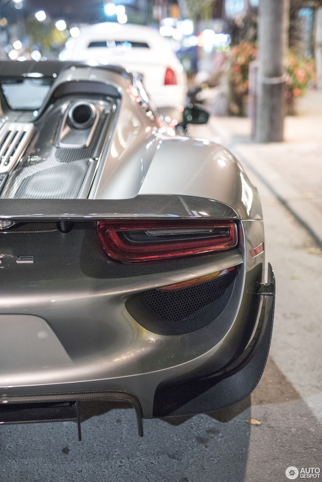 porsche 918 spyder weissach package 5 october 2016 autogespot. Black Bedroom Furniture Sets. Home Design Ideas