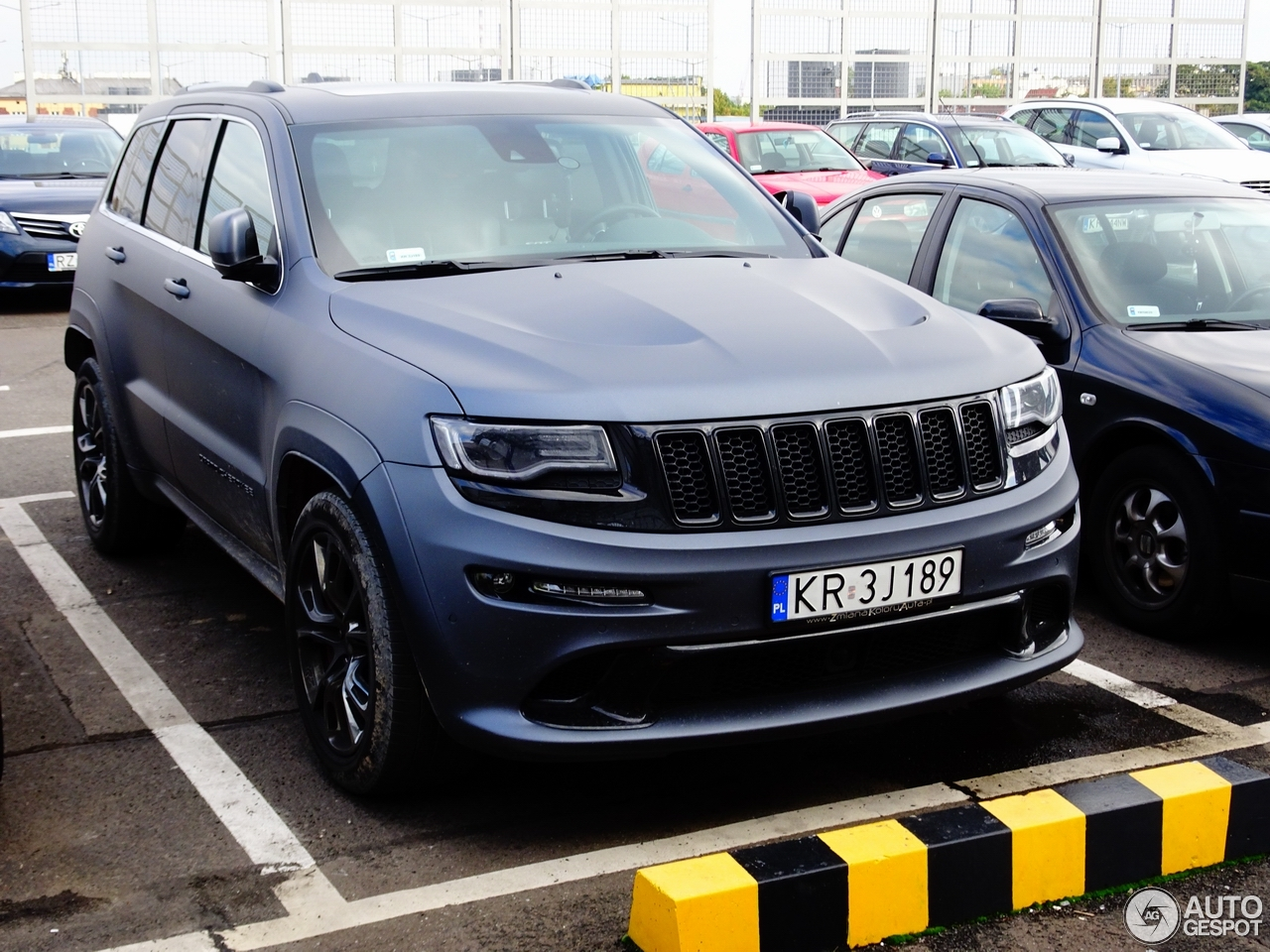 jeep grand cherokee srt 8 2013 11 oktober 2016 autogespot. Black Bedroom Furniture Sets. Home Design Ideas