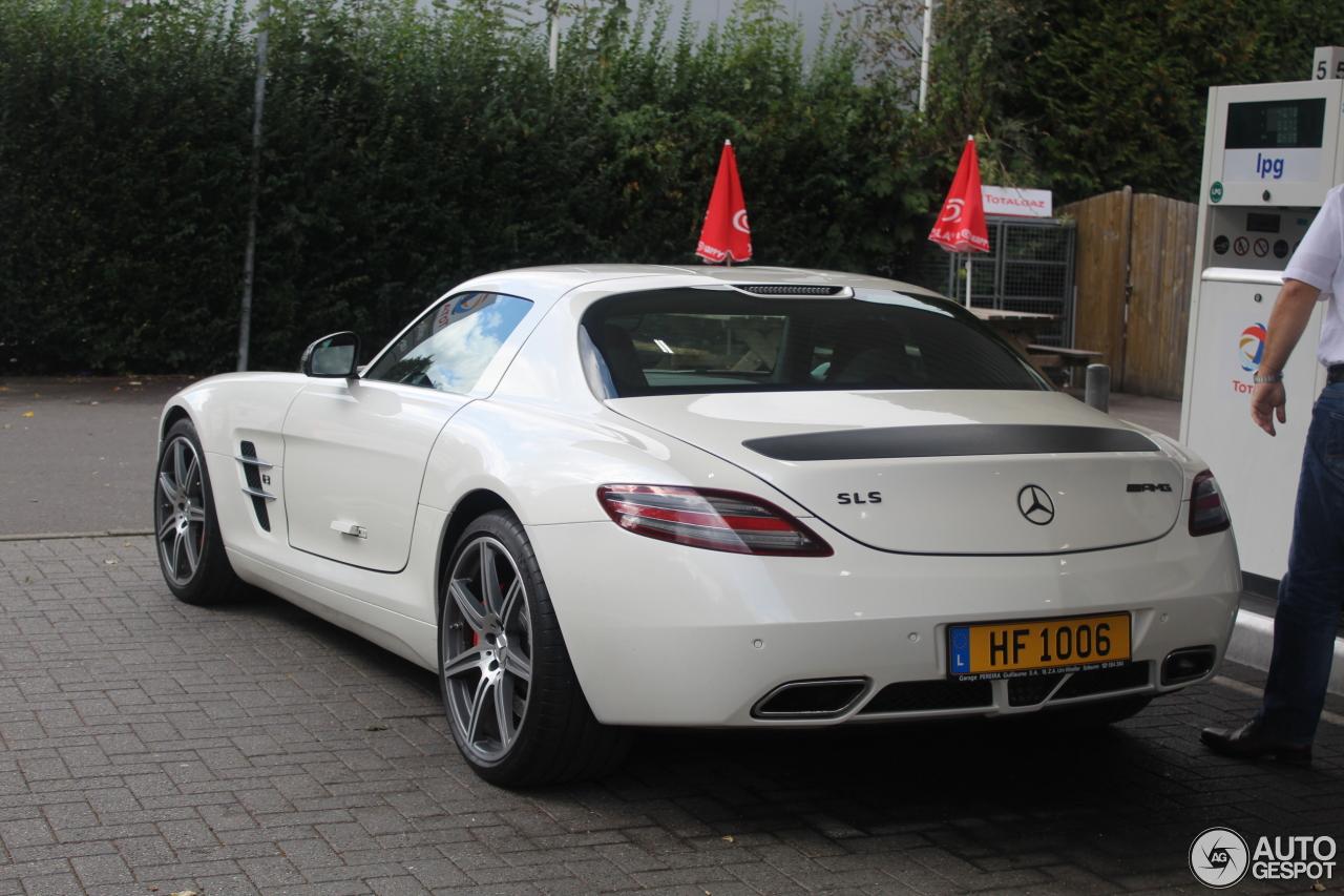 Mercedes benz sls amg 11 october 2016 autogespot for 2015 mercedes benz sls amg for sale