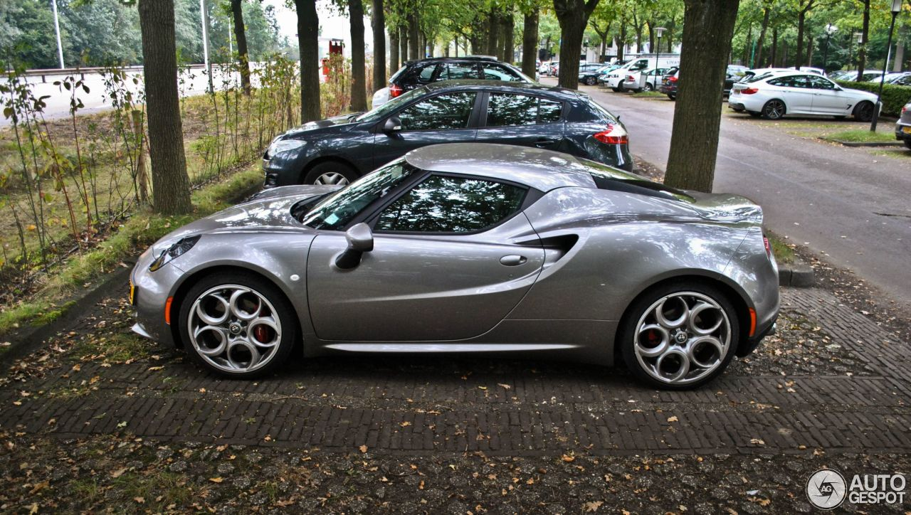 alfa romeo 4c 12 october 2016 autogespot. Black Bedroom Furniture Sets. Home Design Ideas