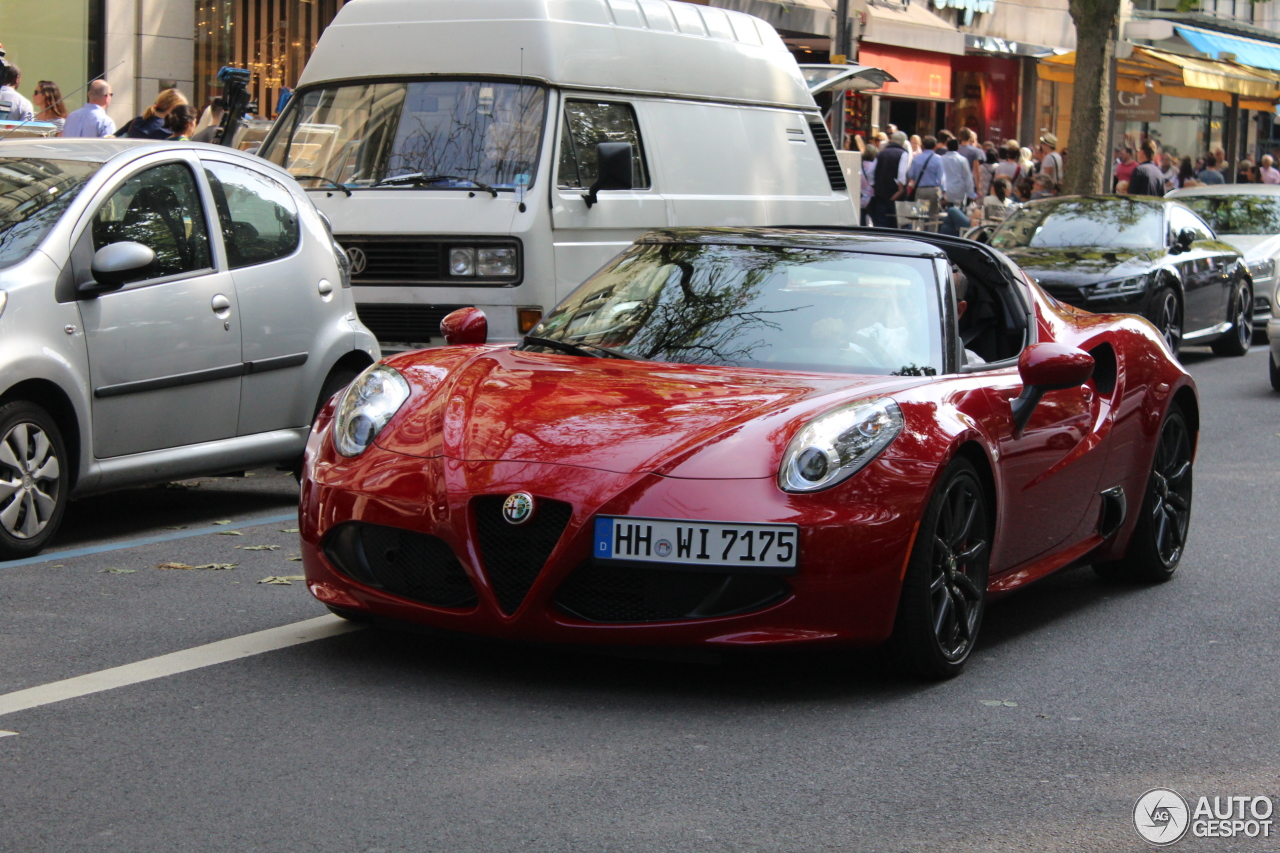 alfa romeo 4c spider 12 oktober 2016 autogespot. Black Bedroom Furniture Sets. Home Design Ideas