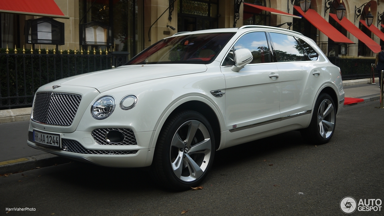 Bentley Bentayga - 14 oktober 2016 - Autogespot