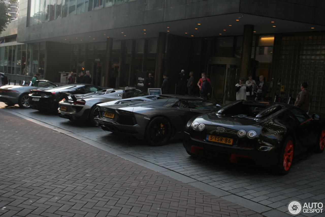bugatti veyron 16 4 grand sport vitesse world record car edition 16 october. Black Bedroom Furniture Sets. Home Design Ideas
