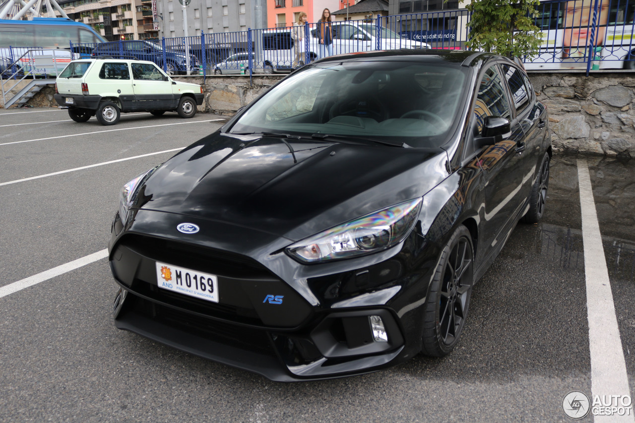 ford focus rs 2015 16 october 2016 autogespot. Black Bedroom Furniture Sets. Home Design Ideas