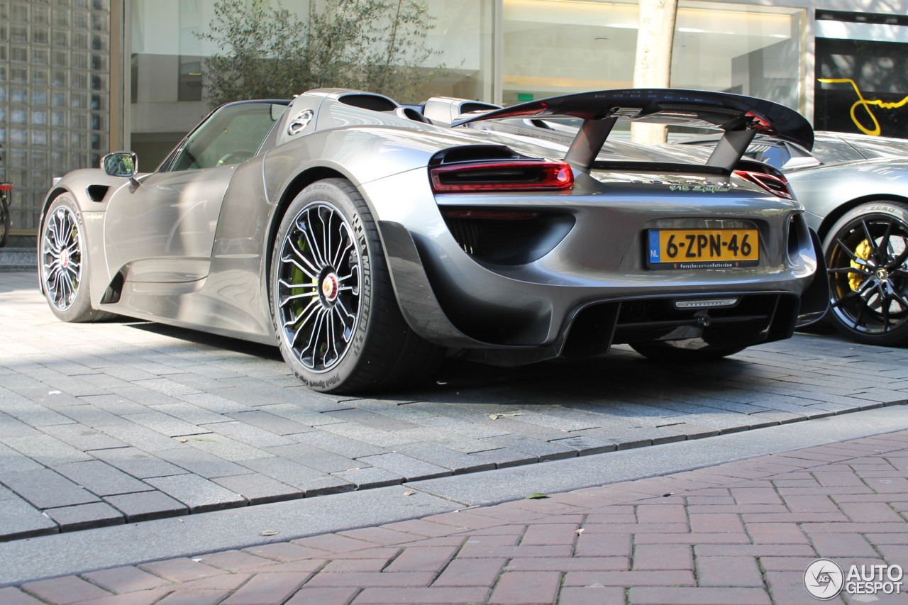 porsche 918 spyder weissach package 16 october 2016 autogespot. Black Bedroom Furniture Sets. Home Design Ideas