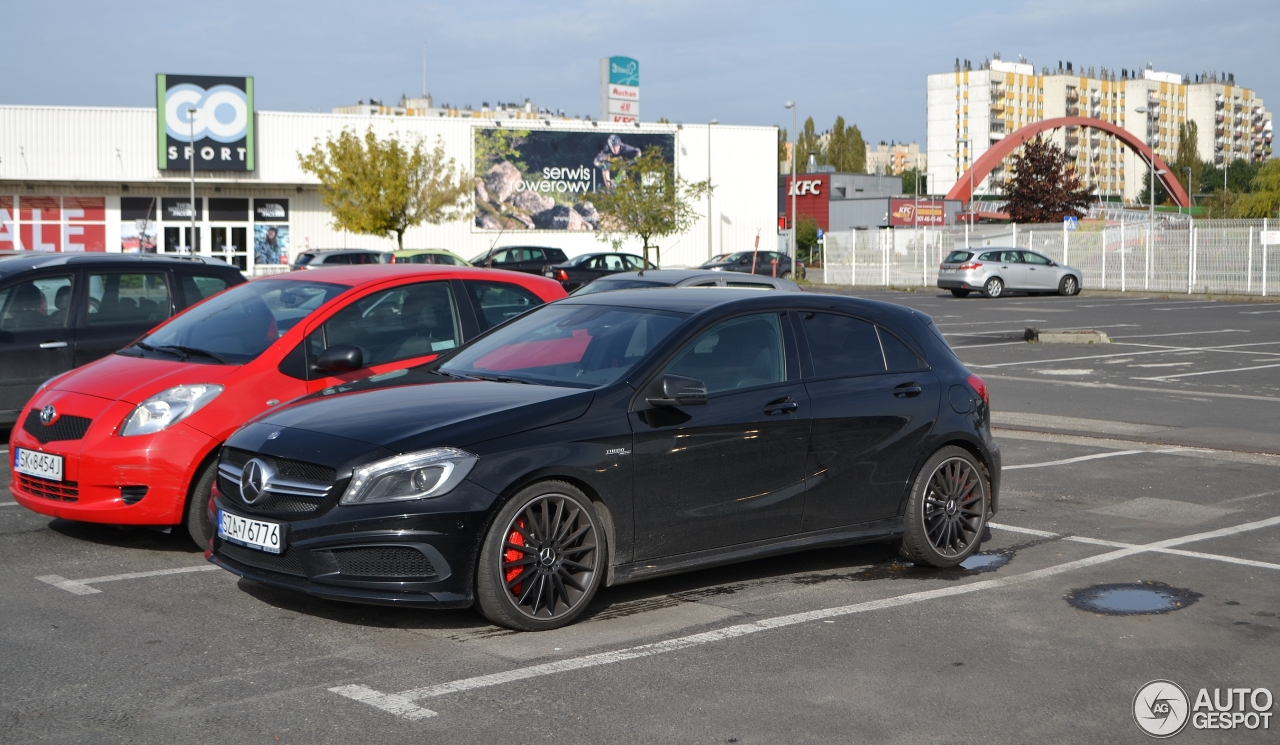 Mercedes benz a 45 amg 22 oktober 2016 autogespot for Mercedes benz a 45