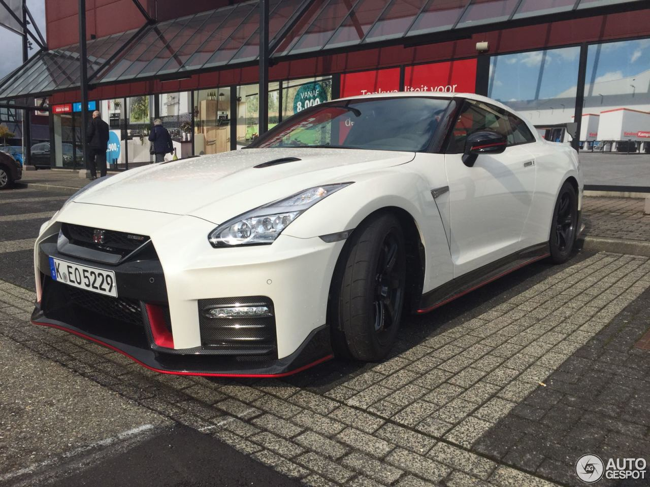 nissan gt r 2017 nismo 22 oktober 2016 autogespot. Black Bedroom Furniture Sets. Home Design Ideas