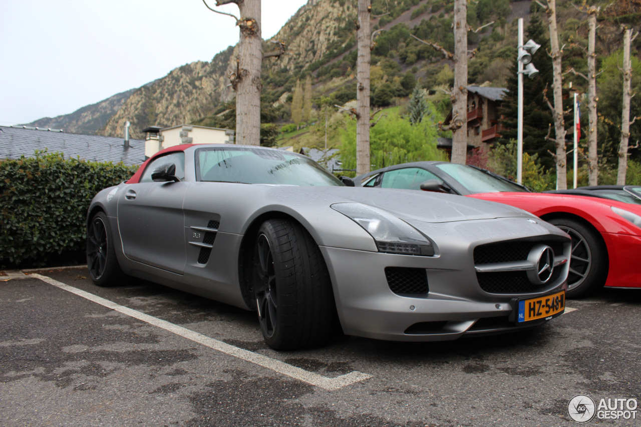 Mercedes benz sls amg roadster 24 oktober 2016 autogespot for Silverlit mercedes benz sls amg