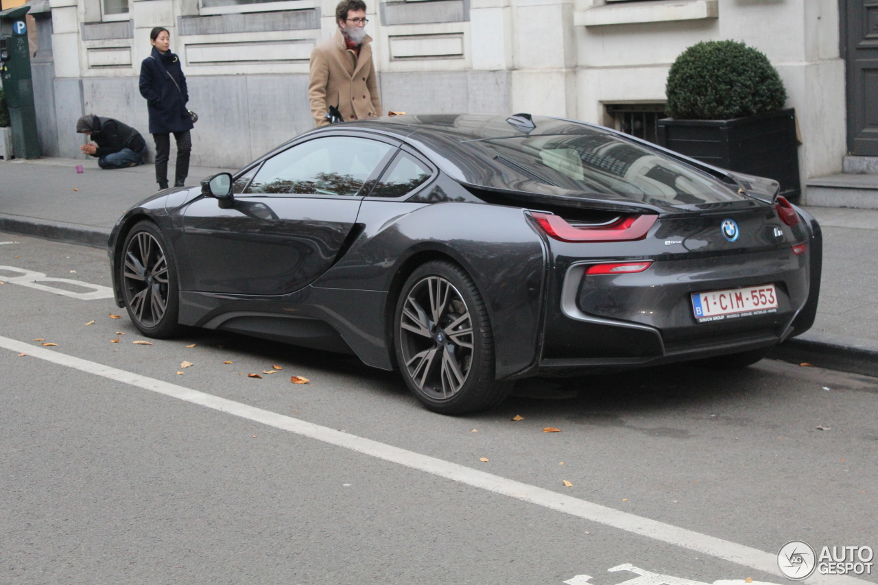 BMW i8 28 October 2016 Autogespot