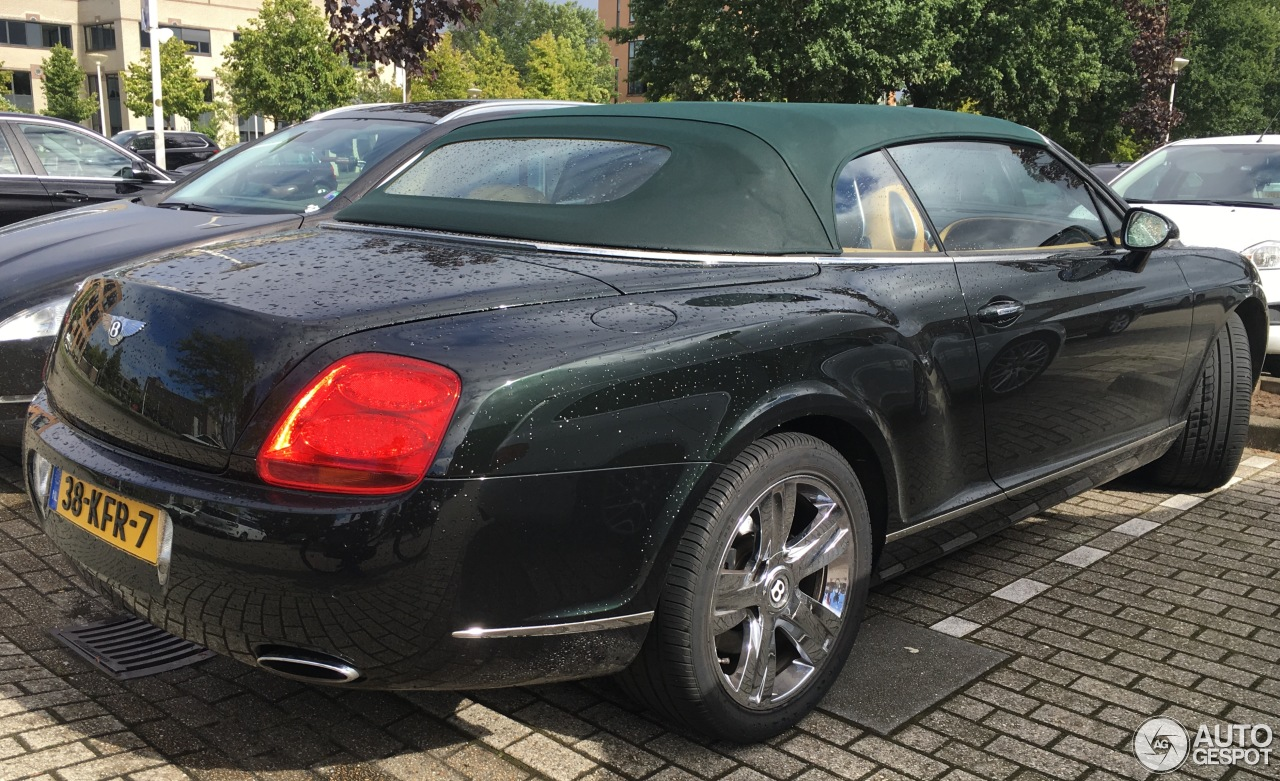 bentley continental gtc 29 october 2016 autogespot. Cars Review. Best American Auto & Cars Review