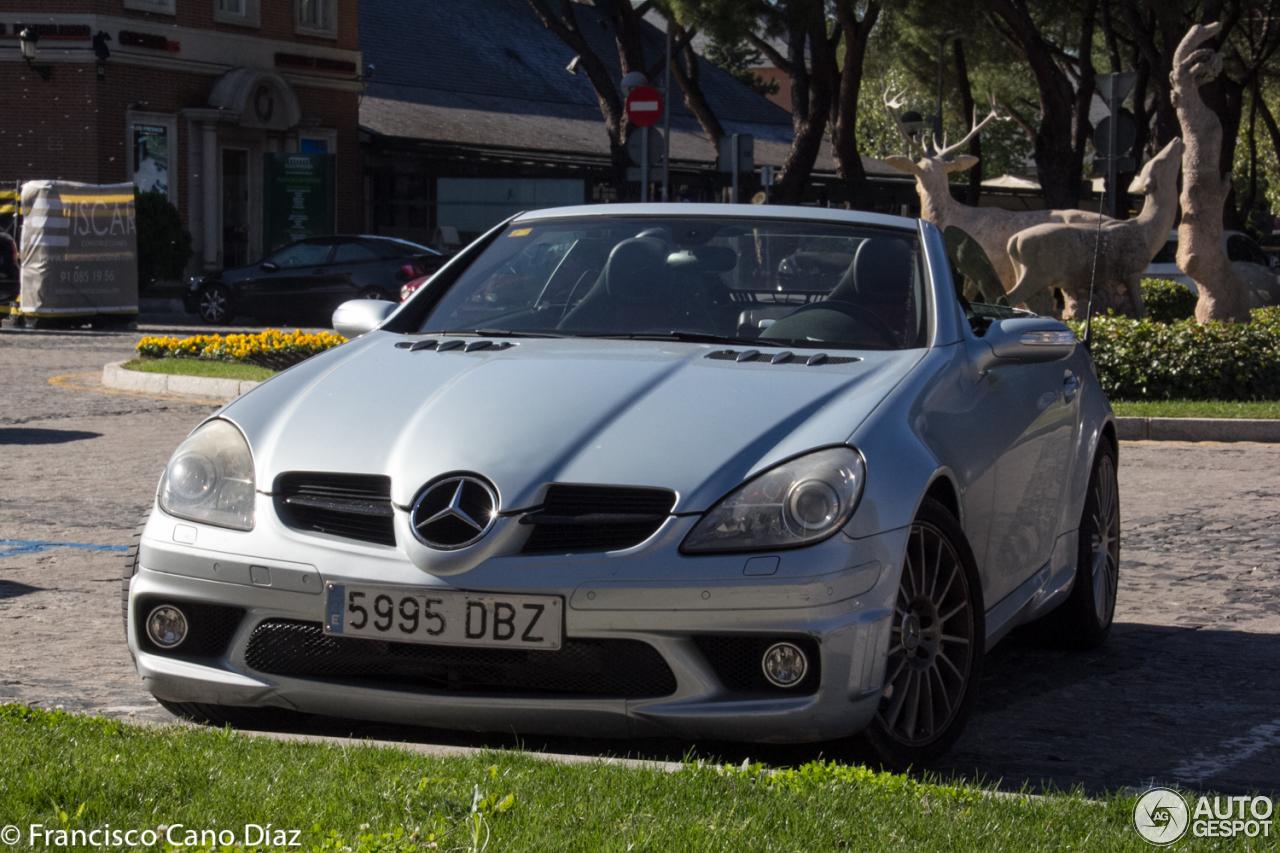 Mercedes benz slk 55 amg r171 30 october 2016 autogespot for Mercedes benz amg 55