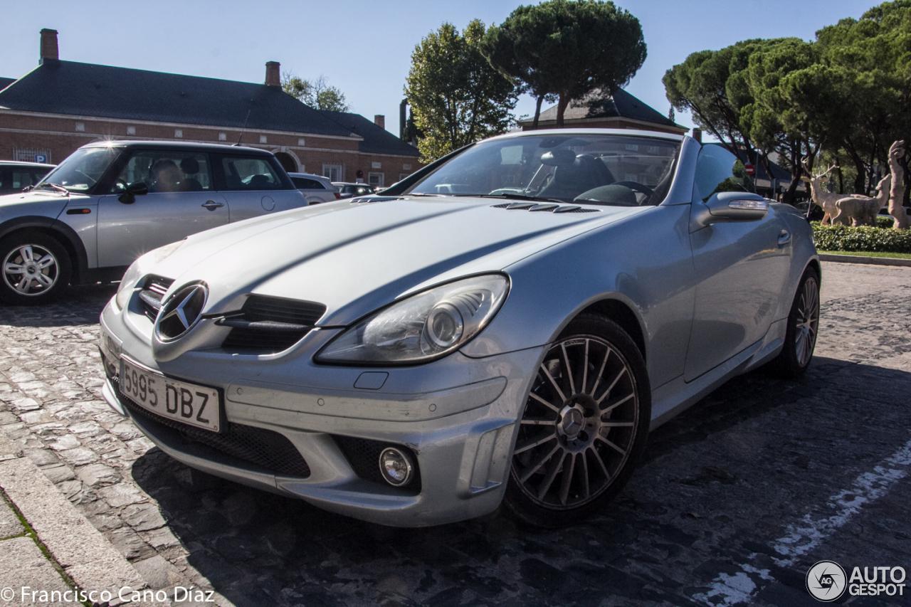 Mercedes benz slk 55 amg r171 30 october 2016 autogespot for 2016 amg slk55 mercedes benz