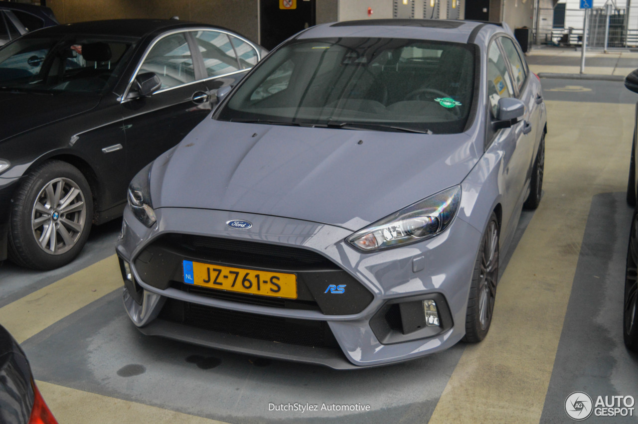 ford focus rs 2015 1 november 2016 autogespot. Black Bedroom Furniture Sets. Home Design Ideas