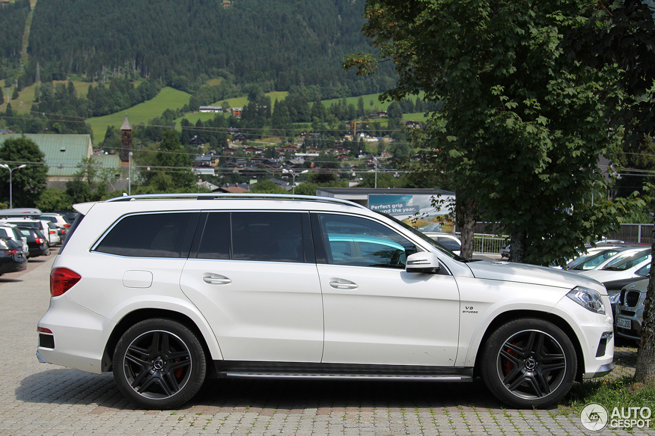 Mercedes benz gl 63 amg x166 3 november 2016 autogespot for Mercedes benz gls 63 amg