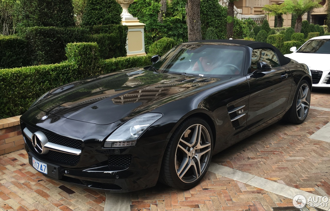 Mercedes benz sls amg roadster 5 november 2016 autogespot for Mercedes benz sls amg convertible for sale