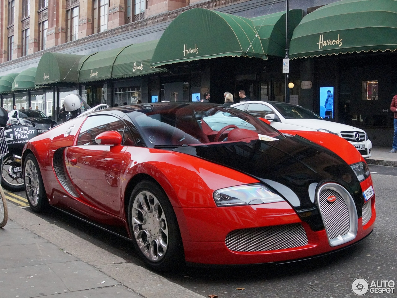 bugatti veyron 16 4 grand sport 7 november 2016 autogespot. Black Bedroom Furniture Sets. Home Design Ideas