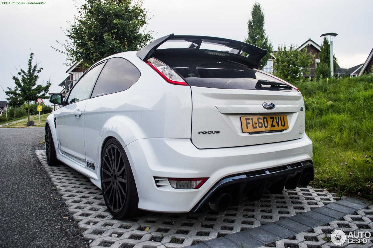 ford focus rs 2009 revo technik 7 november 2016 autogespot. Black Bedroom Furniture Sets. Home Design Ideas