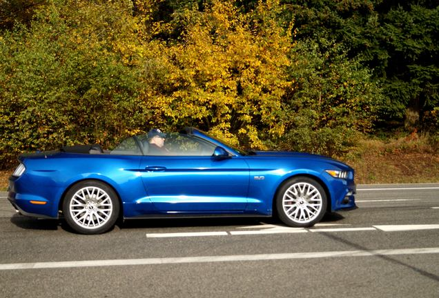 ford mustang gt convertible 2015 21 june 2015 autogespot. Cars Review. Best American Auto & Cars Review