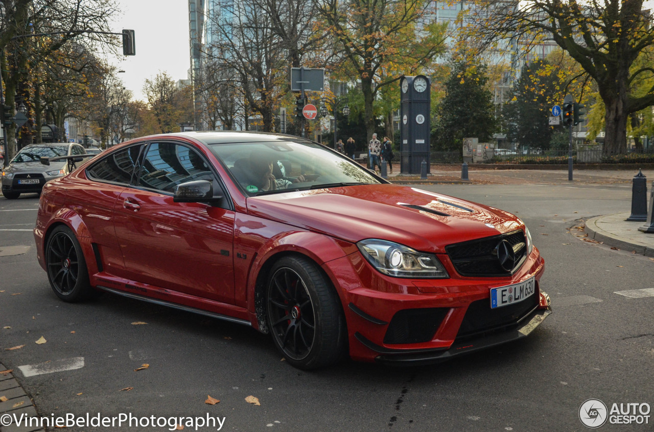 Mercedes benz c 63 amg coup black series 12 november for Mercedes benz g series