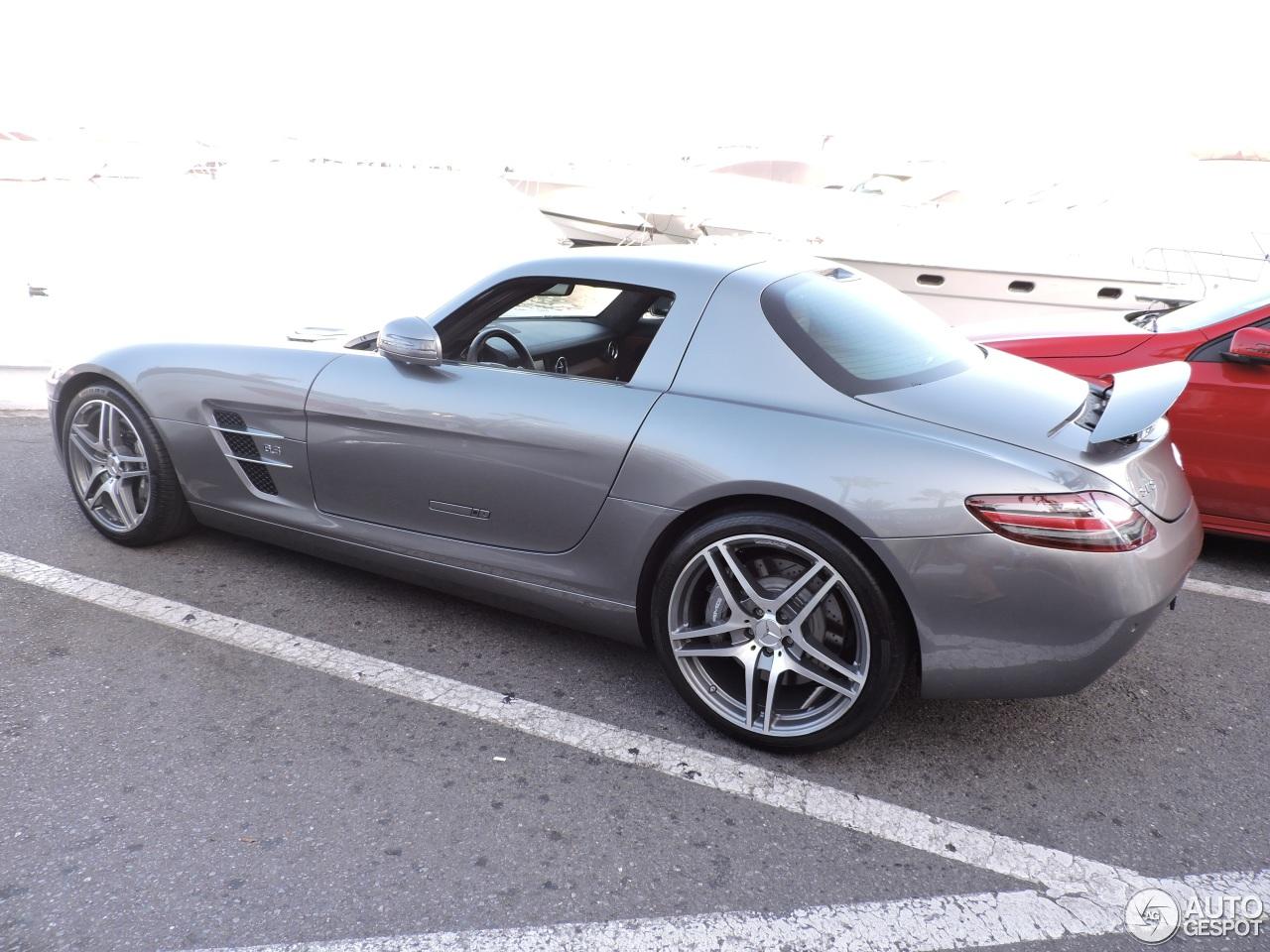 Mercedes benz sls amg 15 november 2016 autogespot for Mercedes benz slr amg price