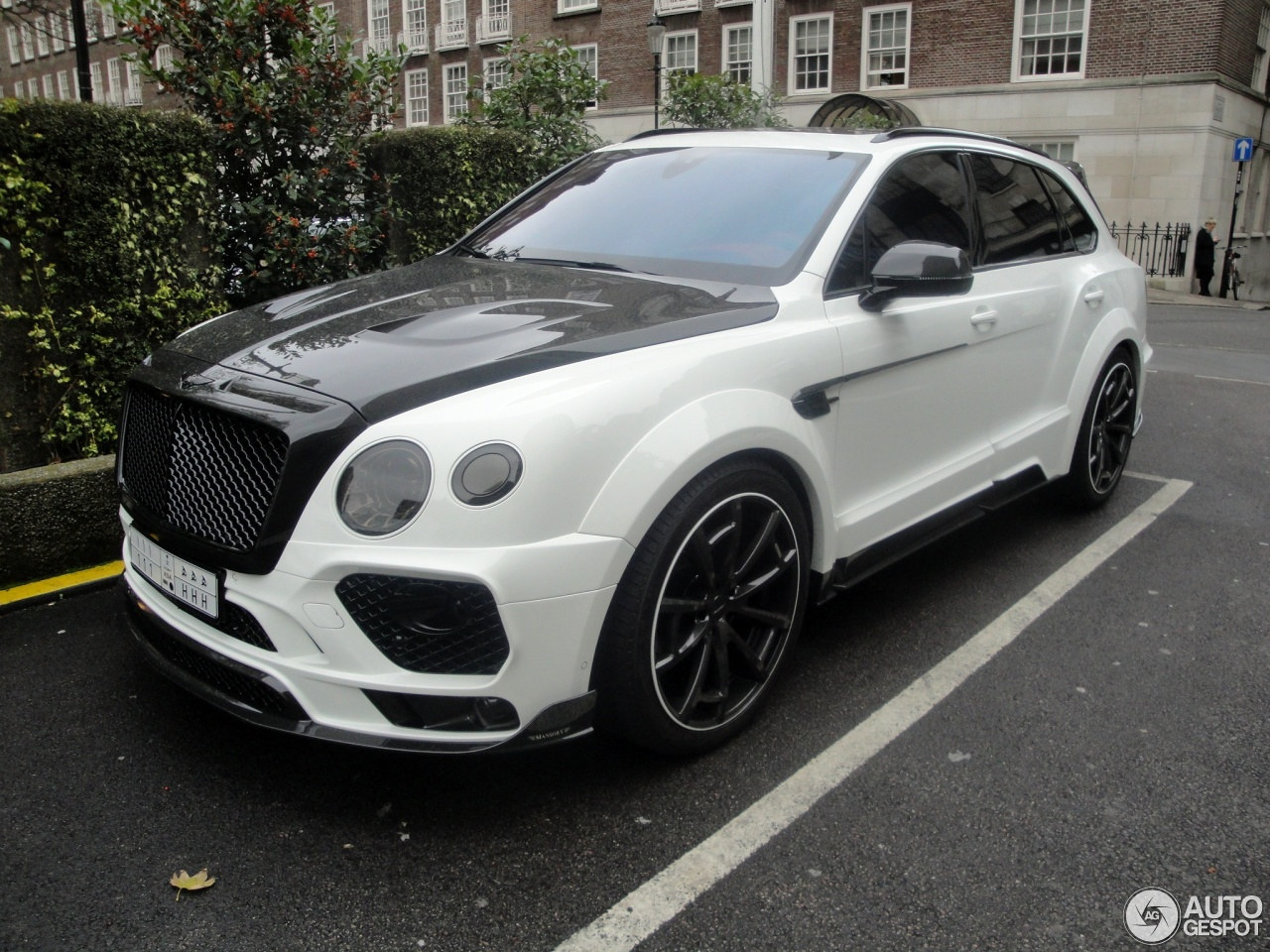 Bentley Mansory Bentayga - 18 November 2016 - Autogespot