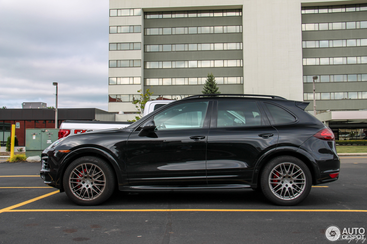 porsche 958 cayenne gts 19 november 2016 autogespot. Black Bedroom Furniture Sets. Home Design Ideas