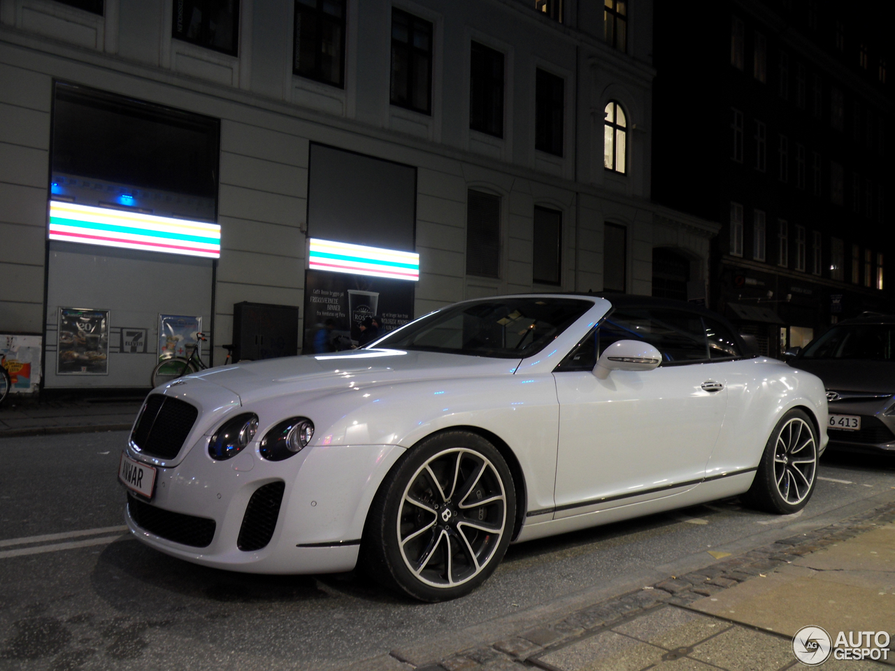 bentley continental supersports convertible 23 november 2016 autogespot. Black Bedroom Furniture Sets. Home Design Ideas
