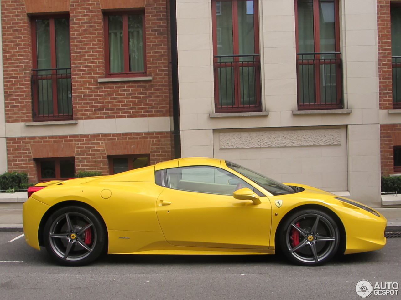 ferrari 458 spider 23 november 2016 autogespot. Black Bedroom Furniture Sets. Home Design Ideas