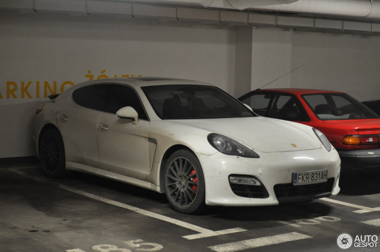 porsche panamera gts 28 january 2016 autogespot. Black Bedroom Furniture Sets. Home Design Ideas