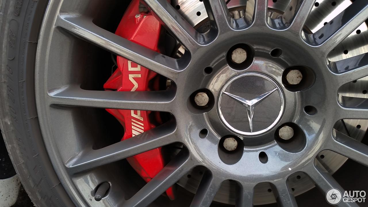 Mercedes benz slk 55 amg r171 6 febrero 2016 autogespot for Mercedes benz slk 65 amg