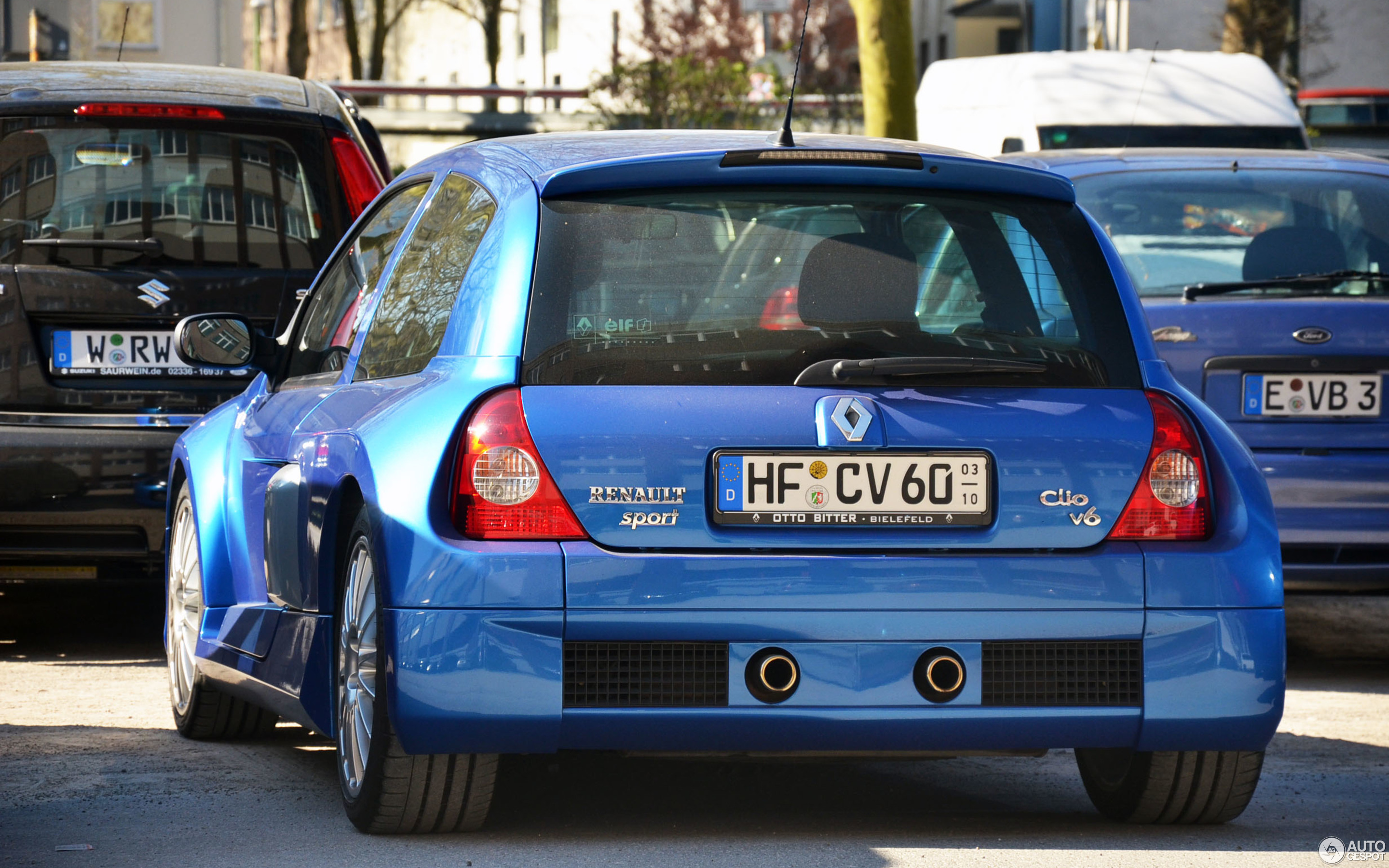 renault clio v6 phase ii 22 february 2016 autogespot. Black Bedroom Furniture Sets. Home Design Ideas