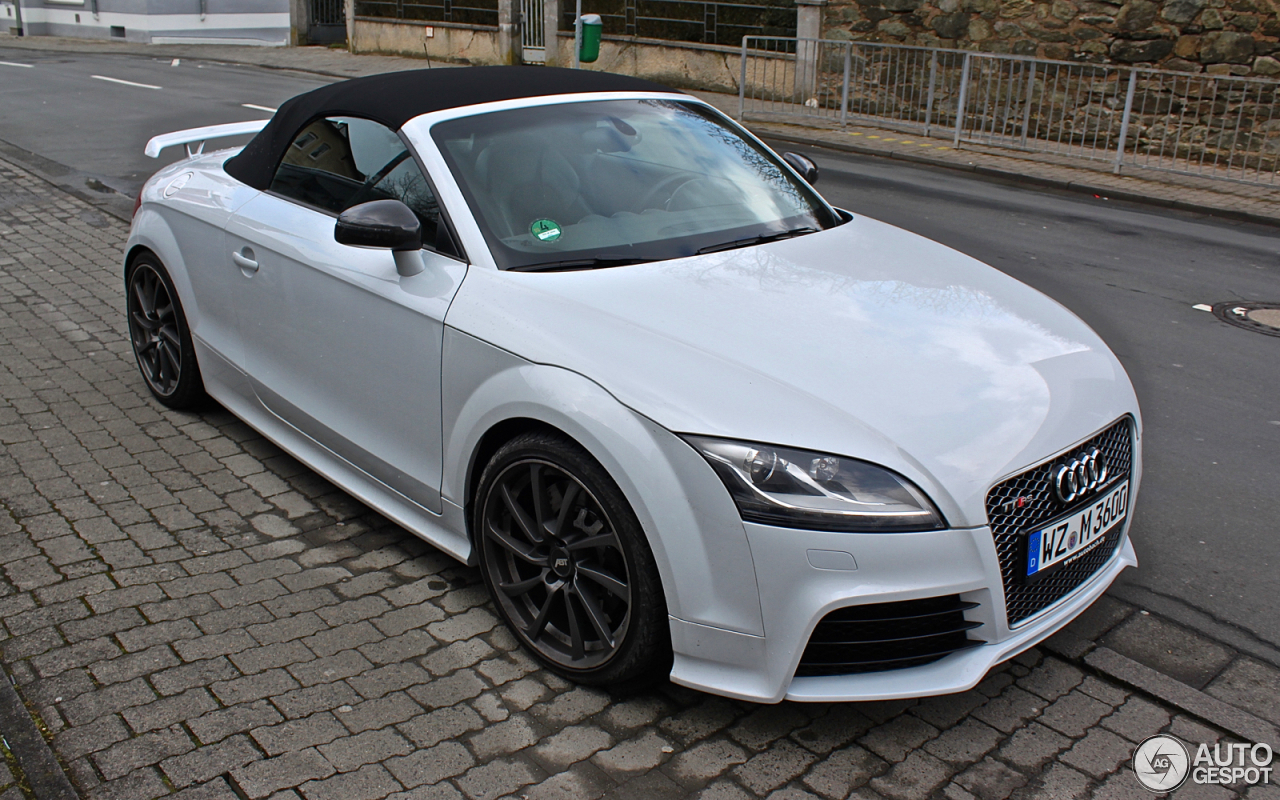 audi tt rs plus roadster 9 mrz 2016 autogespot. Black Bedroom Furniture Sets. Home Design Ideas