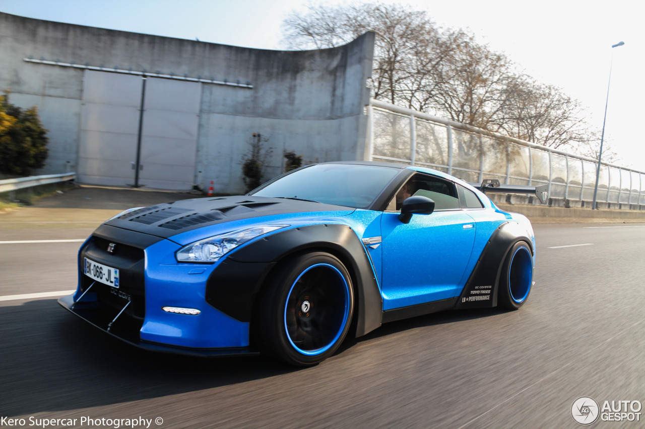 nissan gt r liberty walk widebody 18 march 2016 autogespot. Black Bedroom Furniture Sets. Home Design Ideas
