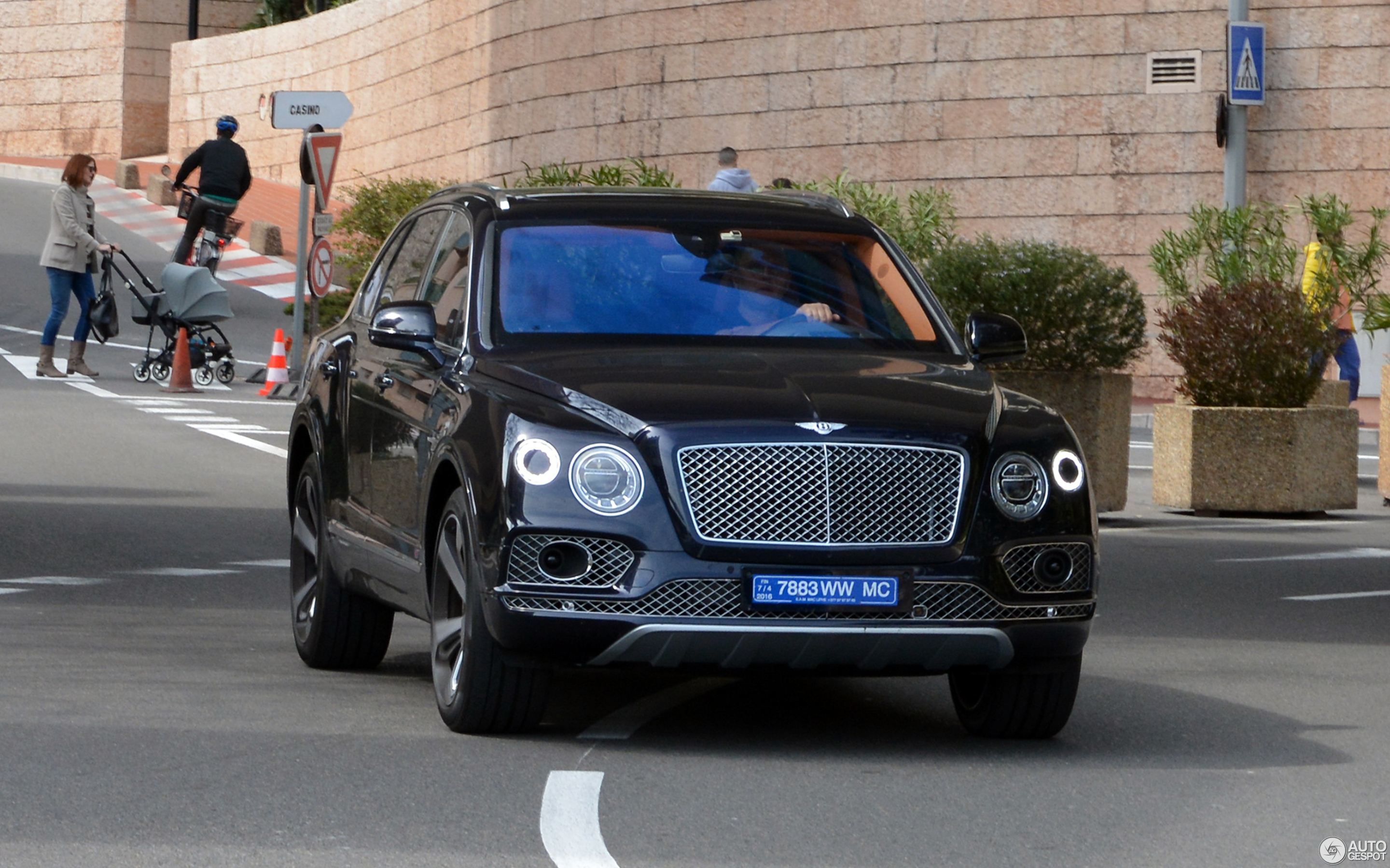 makes continental dragon articles speed red gt bentley photos suv price informations