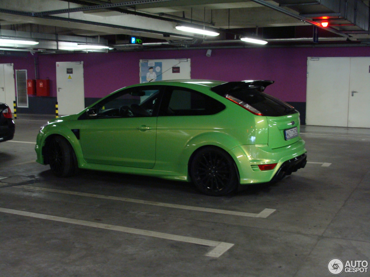 ford focus rs 2009 2 april 2016 autogespot. Black Bedroom Furniture Sets. Home Design Ideas