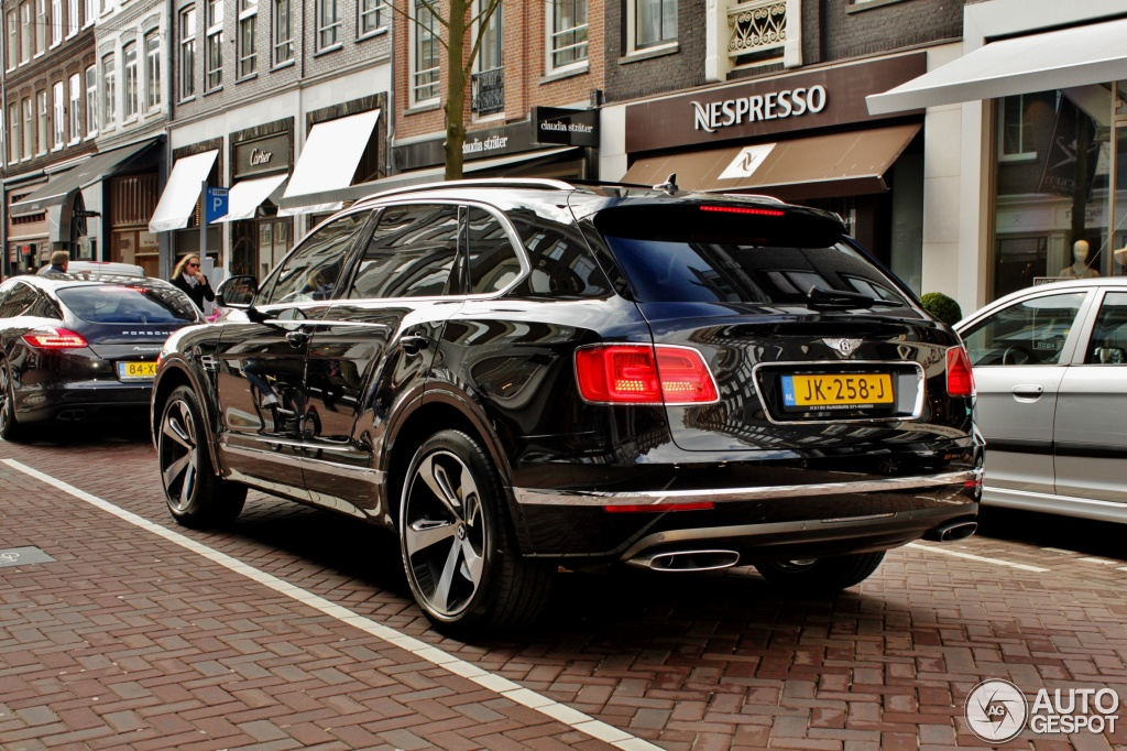 Bentley Bentayga 9 April 2016 Autogespot