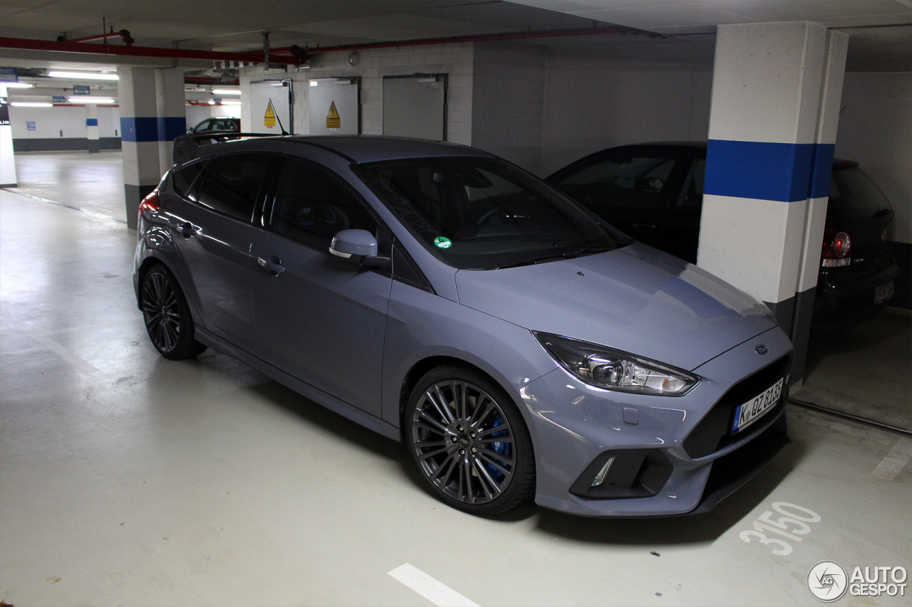 ford focus rs 2015 11 april 2016 autogespot. Black Bedroom Furniture Sets. Home Design Ideas