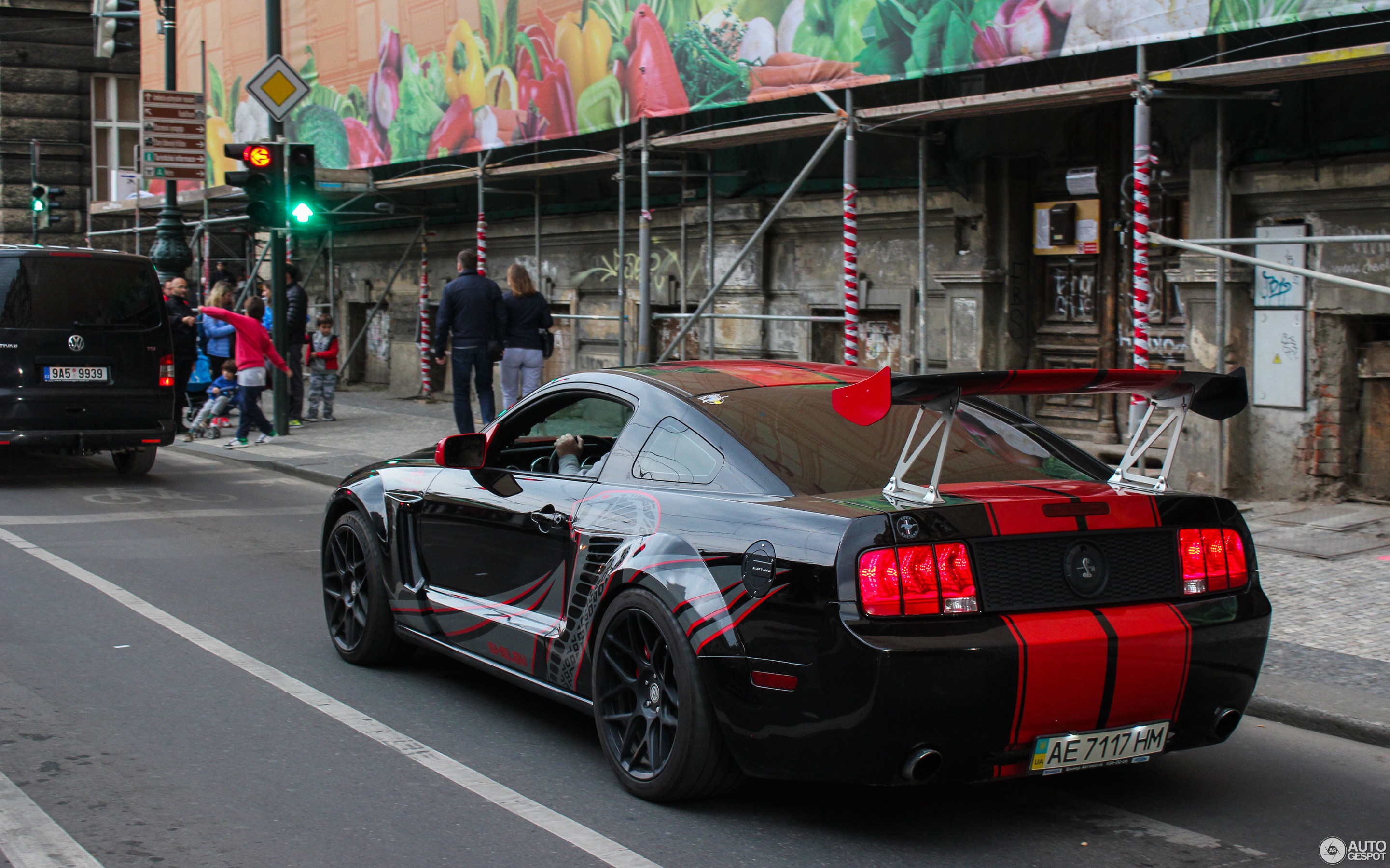 Ford mustang shelby gt500 red stripe limited edition