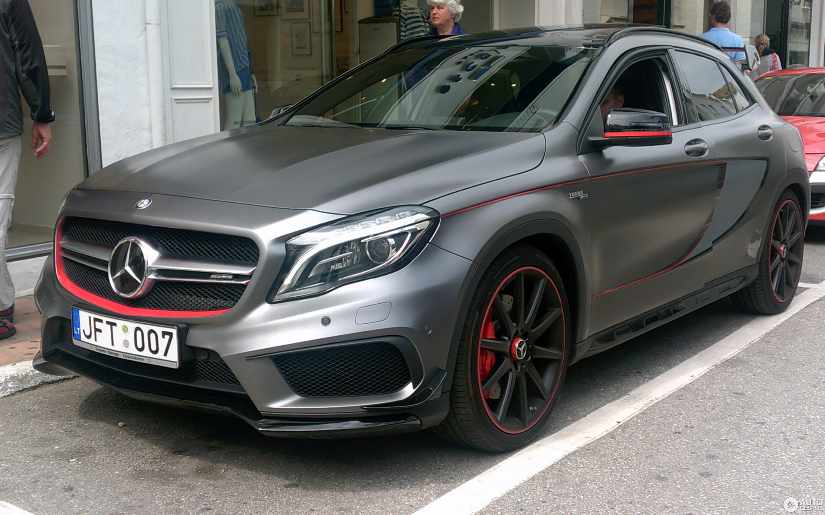 mercedes benz gla 45 amg edition 1 2 may 2016 autogespot. Black Bedroom Furniture Sets. Home Design Ideas
