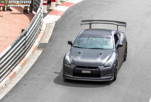 Nissan GT-R J-SPEC PERF