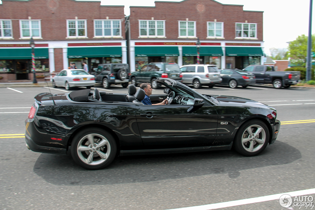 Ford Mustang GT Convertible 2011 - 15 May 2016 - Autogespot