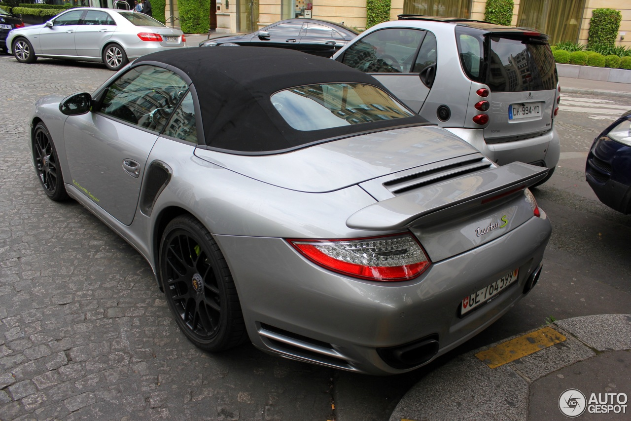 porsche 997 turbo s cabriolet 918 spyder edition 15 may 2016 autogespot. Black Bedroom Furniture Sets. Home Design Ideas