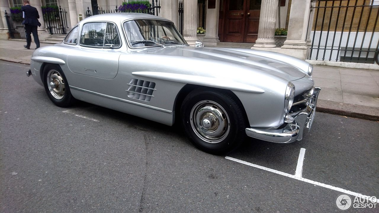 Mercedes benz 300sl gullwing 21 may 2016 autogespot for All types of mercedes benz cars
