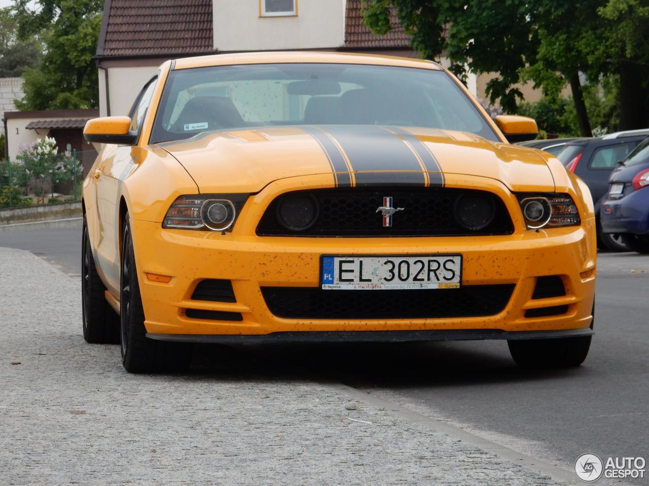 ford mustang boss 302 2013 26 may 2016 autogespot. Black Bedroom Furniture Sets. Home Design Ideas