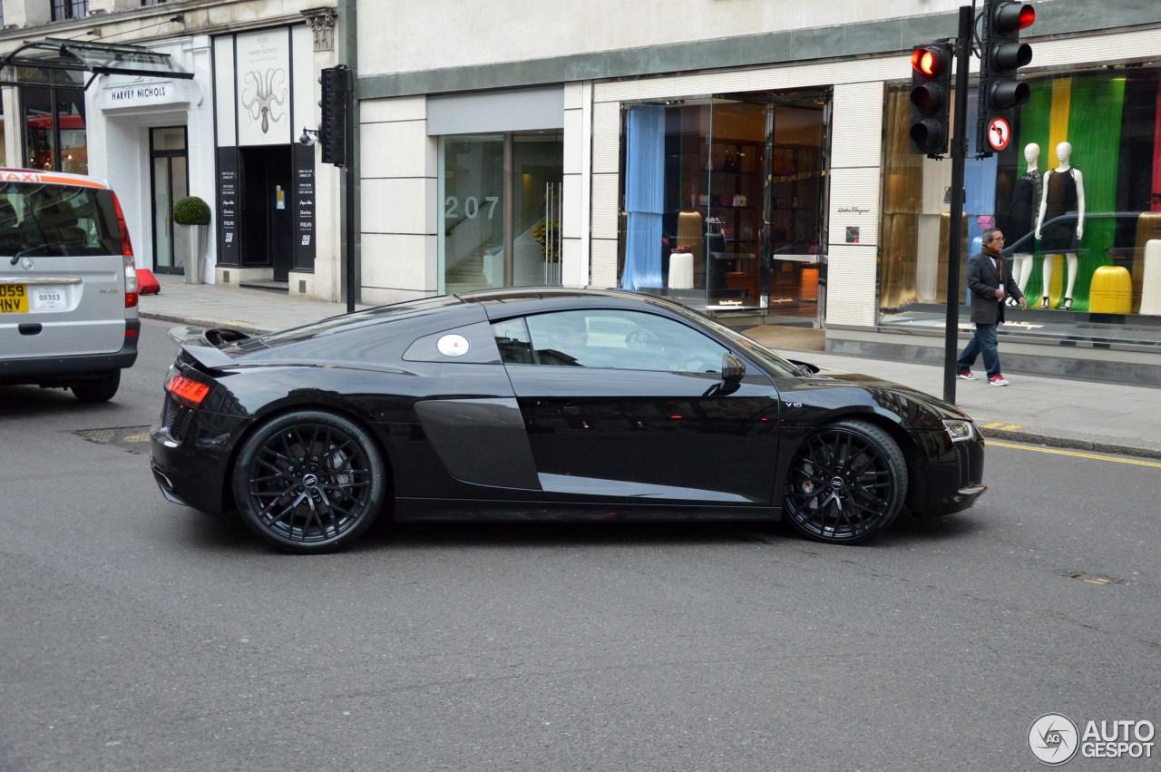 Audi r8 v10 plus black 17