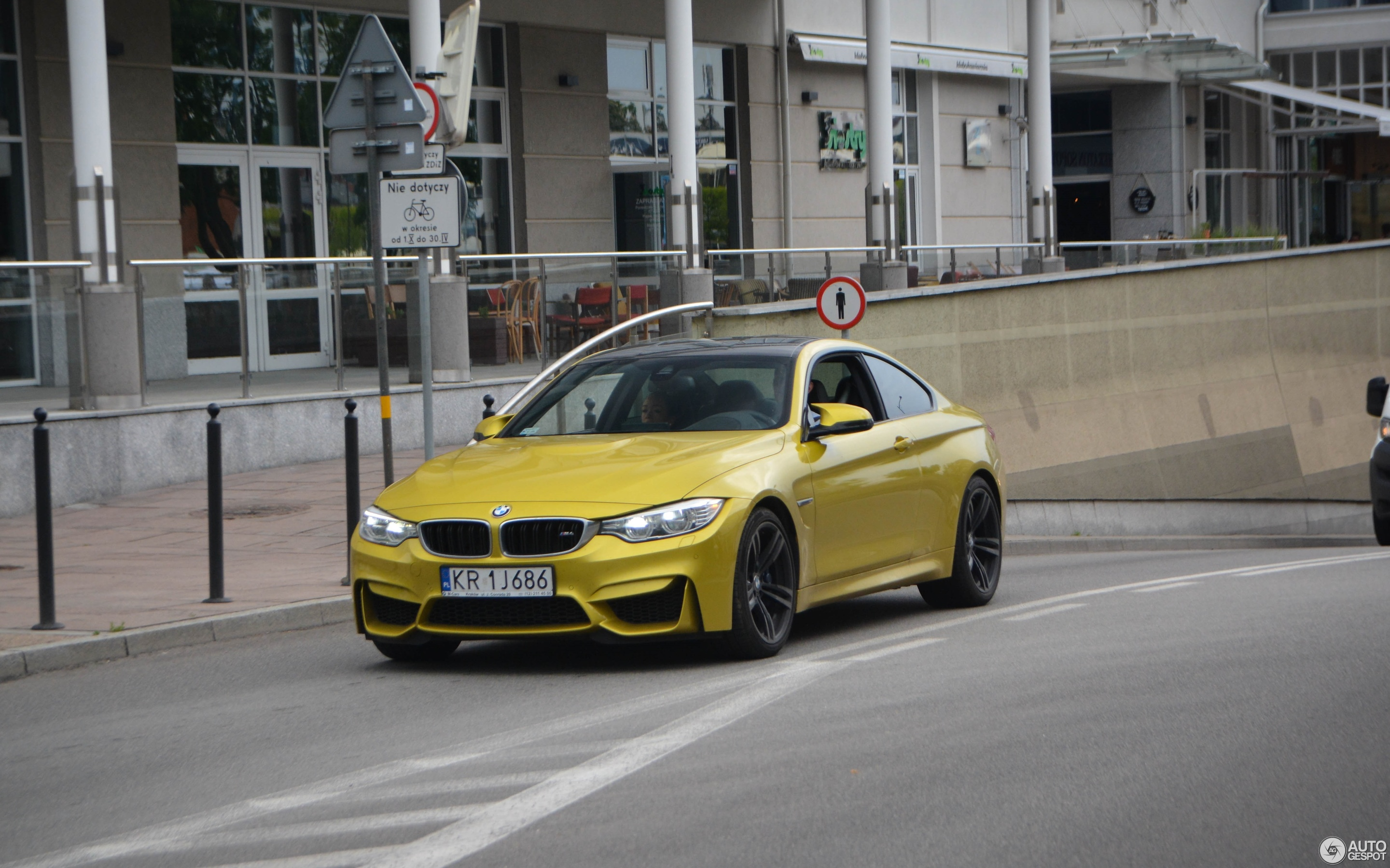 BMW M4 F82 Coupé 30 May 2016 Autogespot
