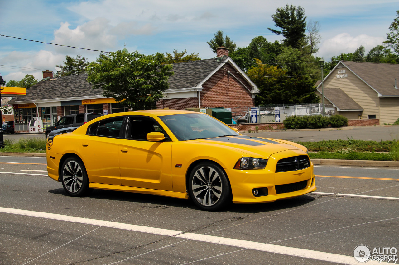 Dodge Charger Srt 8 Super Bee 2012 31 May 2016 Autogespot
