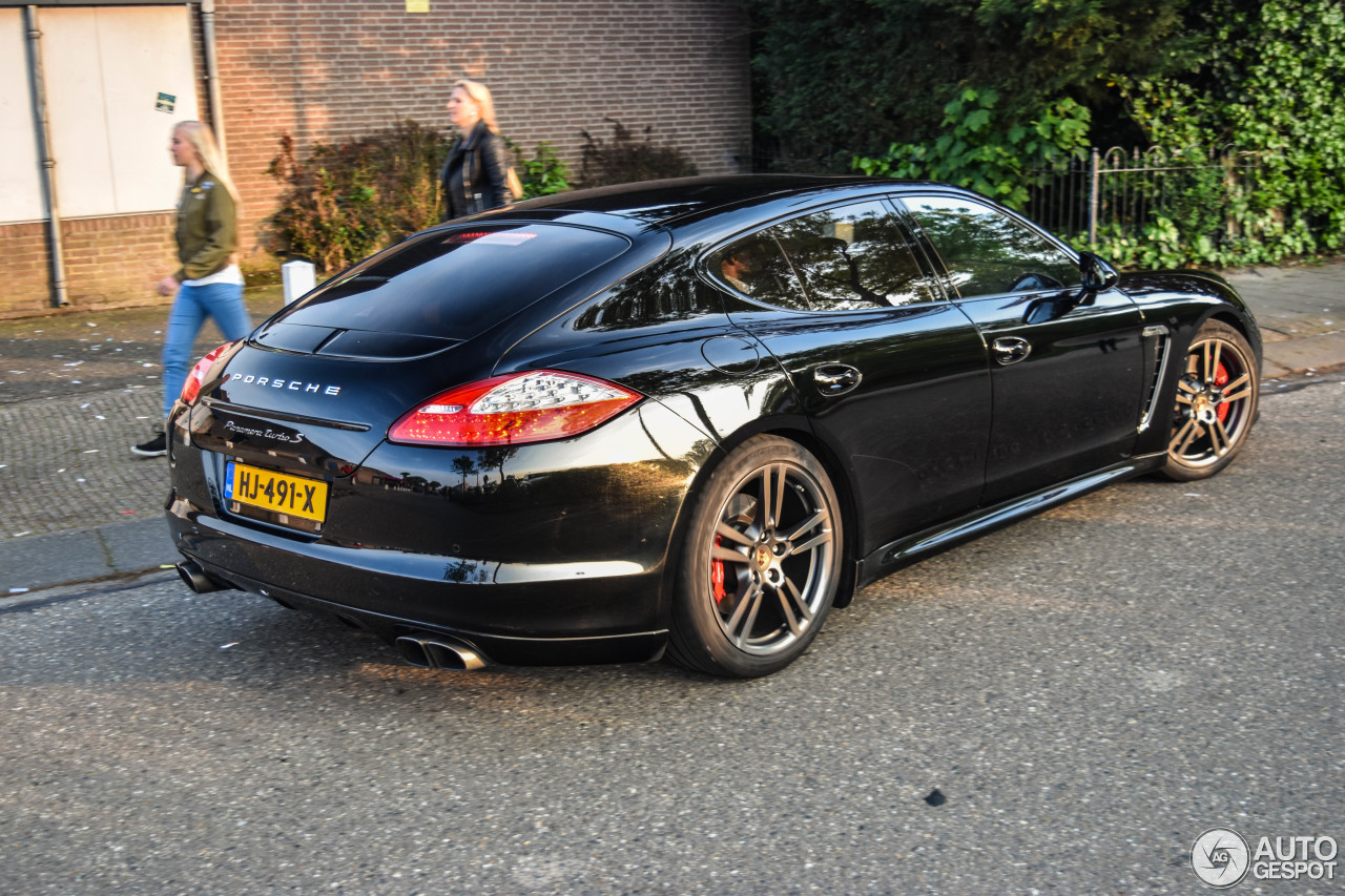 porsche panamera turbo s 4 june 2016 autogespot. Black Bedroom Furniture Sets. Home Design Ideas